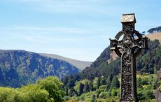 Thumb celtic cross highcross glendalough  county wicklow getty