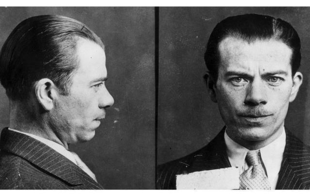 Born to Irish parents in NY, William Francis Sutton went on to become one of America\'s most famous bank robbers.
