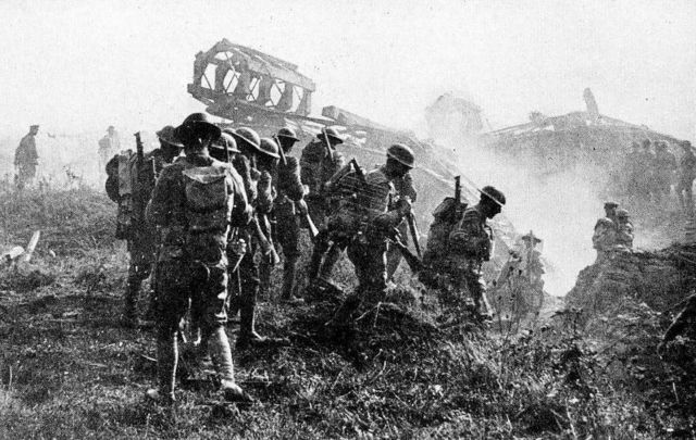 World War I: American soldiers on the way to break the Hindenburg Line, September 29, 1918.
