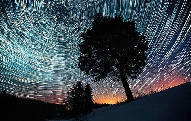 Amazing meteor shower photographed using slow exposure.
