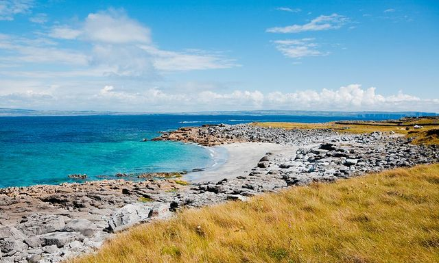Witness the beauty of Inis Oirr (Inisheer) island off the coast of Ireland in Galway Bay