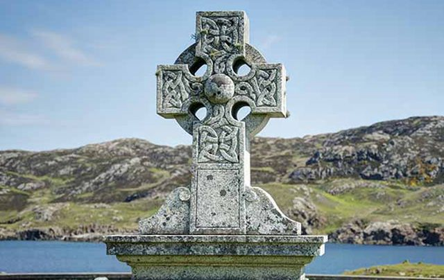 The Symbolic Meaning Of The Celtic Cross Irishcentral