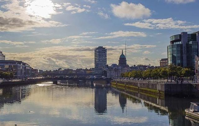 ""\""""In Dublin's fair city...."""": From getting out on the water to enjoy hill walks, fine food and history there's plenty to do in this buzzing town.""640|405|?|en|2|3afe237b400ccb40052a45aff3e36128|False|UNLIKELY|0.3293372094631195