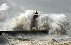 Thumb_storm-hurricane-wind-coast-getty