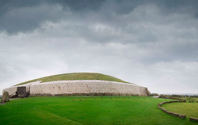 Newgrange, County Meath: Some of Ireland\'s prehistoric treasures are even old than Egypt\'s pyramids. Here\'s just ten of these magic spots.