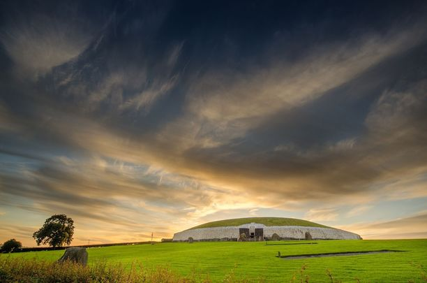 Newgrange, Co. Meath, one of Ireland\'s most fascinating historical sites