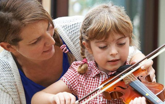 Face to face tuition, just one of the options in learning how to play Irish music.