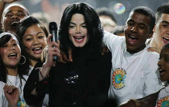 November 15, 2006: Michael Jackson performs on stage during the 2006 World Music Awards at Earls Court in London.