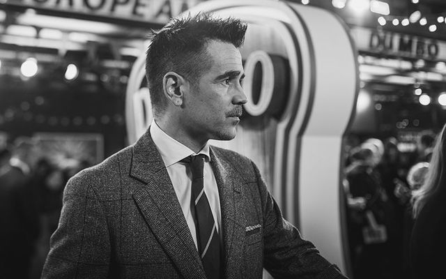 """Colin Farrell poses at the premiere of \""""Dumbo\""""."""