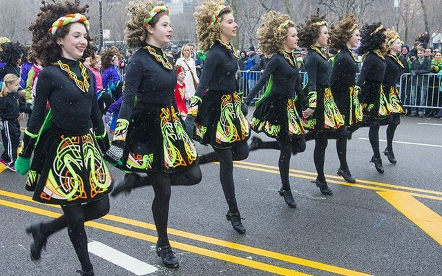 Irish dancers in the NYC St. Patrick\'s Day parde: Doctor Daniele Volpe believes Irish dance is the way to go.