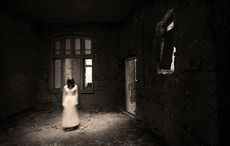 Thumb_ghost-scary-girl-old-house-halloween-istock