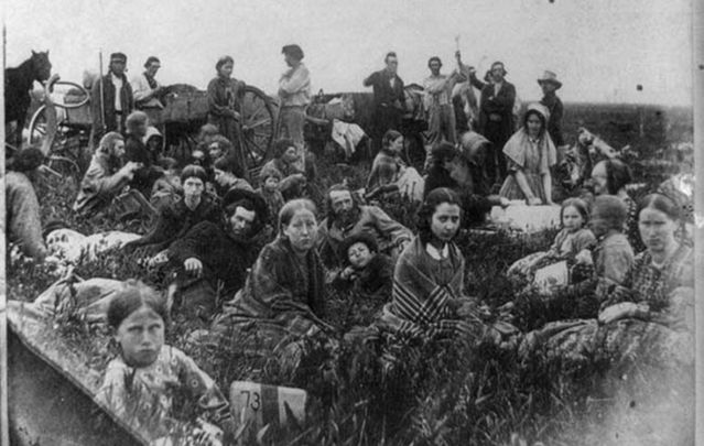 Refugees from fighting with Native Americans in 1862.