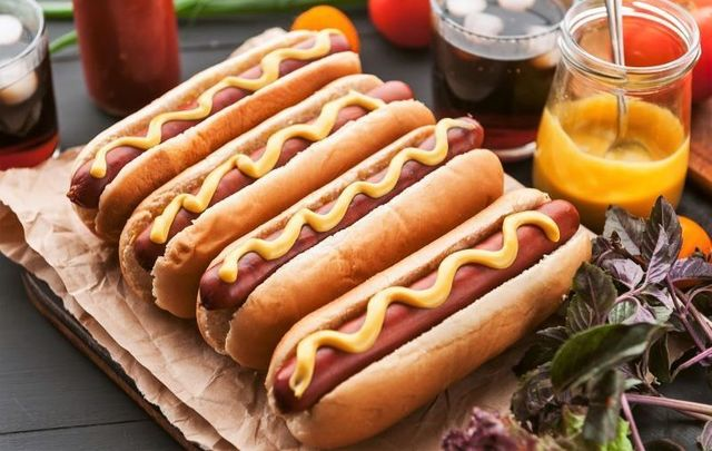 Hot dogs! Get your hot dogs!