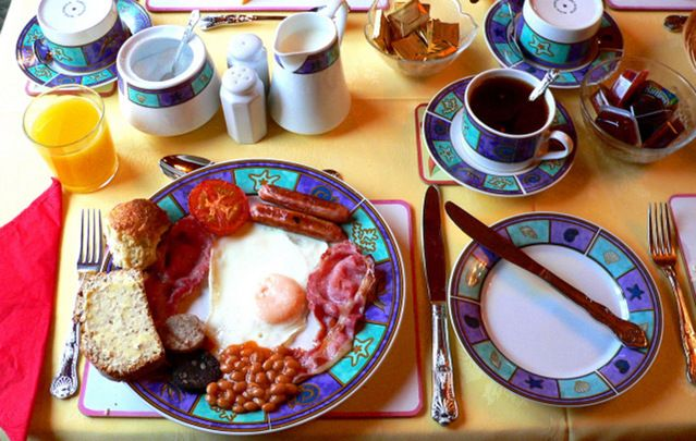 Make someone's day by treating them to a proper Irish breakfast on Christmas morning.