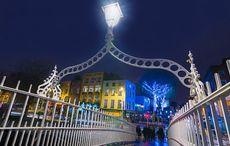 Thumb_dublin-christmas-hapenny-bridge