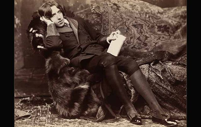"""Oscar Wilde reclining with Poems\"", by Napoleon Sarony, in New York in 1882."