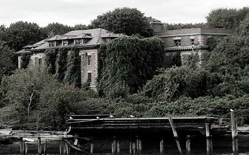 Awe Inspiring North Brother Island Haunted By Typhoid Mary Irishcentral Com Interior Design Ideas Pimpapslepicentreinfo