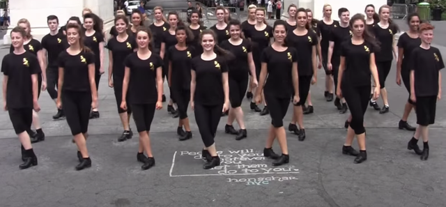 80 Irish dancers wow with flash mobs at NYC landmarks from Union Square to Times Square.