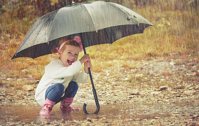 Go on outta tha\'! An umbrella. Sure we won\'t rust!