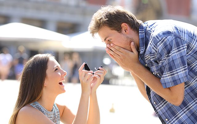 woman proposing to man on leap year