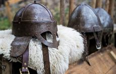 Thumb viking helmets   icp