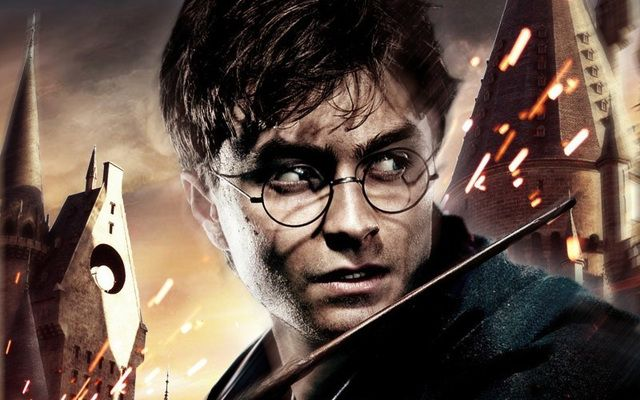 """Promotional poster featuring Daniel Radcliffe for \""""Harry Potter and the Deathly Hallows: Part 2\"""""""
