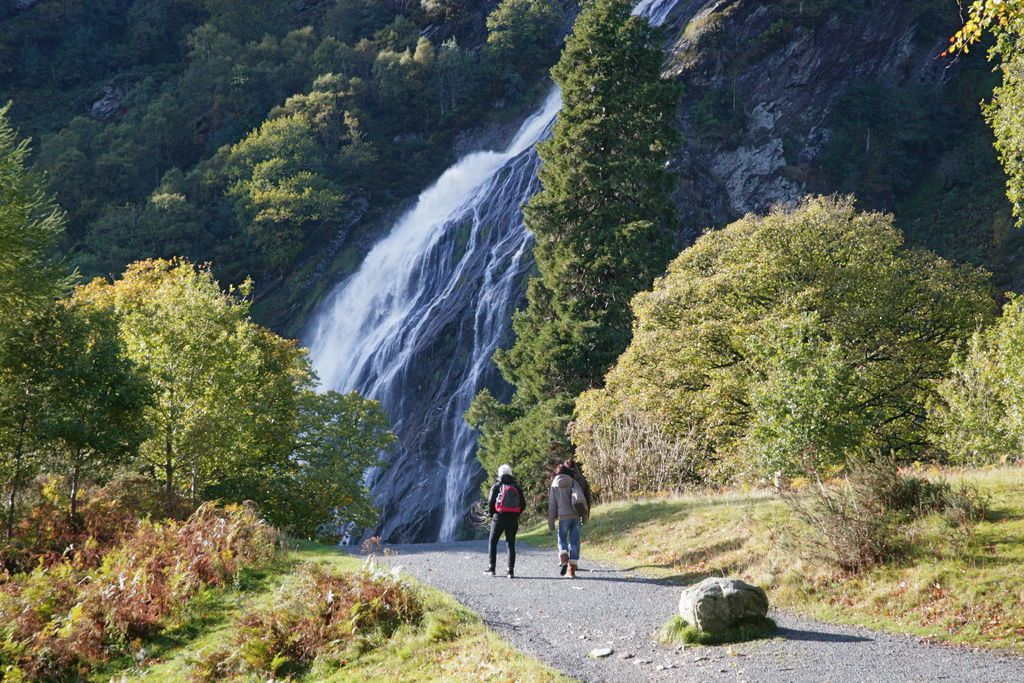 Walking the Powerscourt Estate. Photo: Tourism Ireland