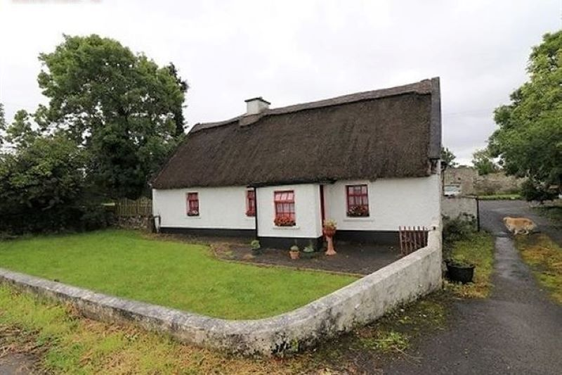 Peachy Irish Cottage For Sale In Galway Is The Best Of Both Worlds Interior Design Ideas Philsoteloinfo
