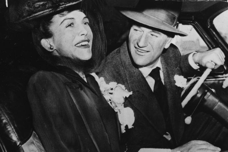 Esperanza Baur and John Wayne in 1945 (Getty Images)