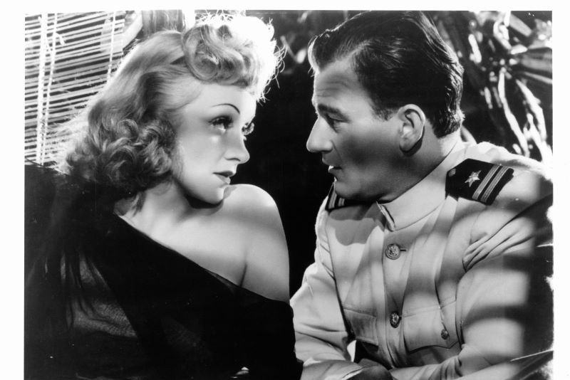 Marlene Dietrich and John Wayne in 'Seven Sinners' from 1940 (Getty Images)