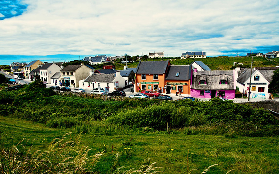 """""""I'm so glad that I live in a village..."""": The beautiful, colorful village of Doolin."""