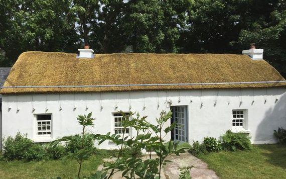 Swell 18Th Century Thatched Cottage For Sale In Donegal Ireland Download Free Architecture Designs Ferenbritishbridgeorg