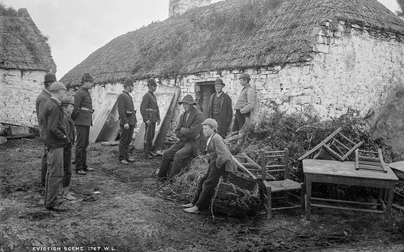 The eviction of Thomas Considine at Moyasta, County Clare. IMAGE: NATIONAL LIBRARY OF IRELAND.