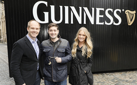 The lucky New York couple recieve the key to Guinness Storehouse.