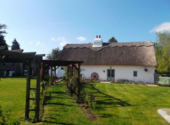 300-year-old Irish cottage straight out of a storybook for sale in