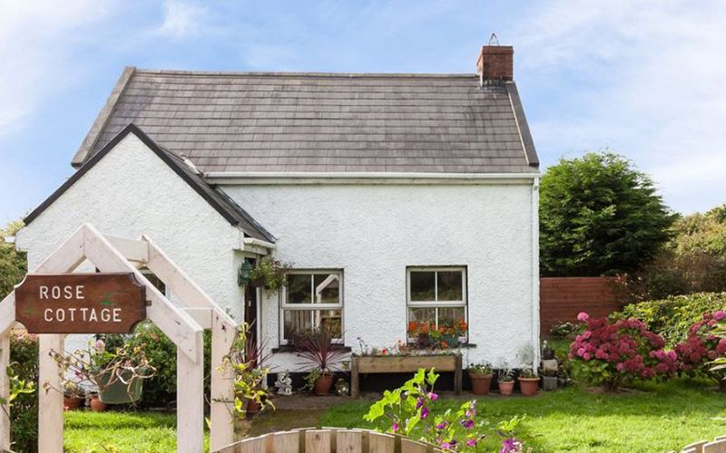 Swell The Most Beautiful Irish Cottages For Sale Right Now Interior Design Ideas Clesiryabchikinfo