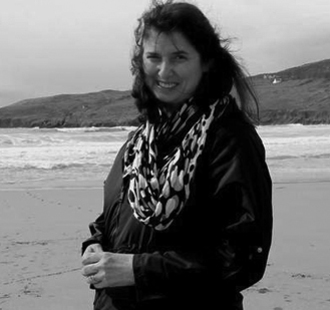 Resized_irish-american-mom-mairead-geary-on-barley-cove-beach-west-cork